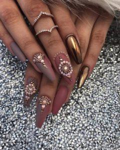 chrome nails bronze