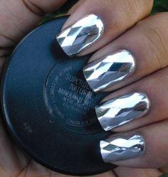 chrome nails diamond