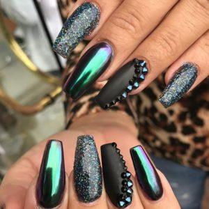 chrome nails edgy