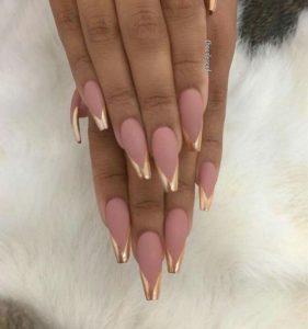 chrome nails mauve