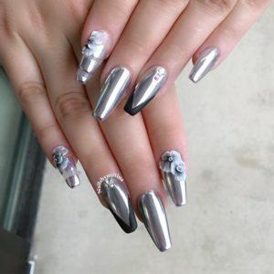 chrome nails silver flower