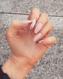 what is chrome nail polish