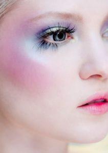 Holographic Eye Polish with Lashes