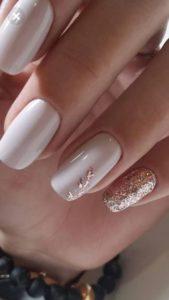 Leaf Design nails
