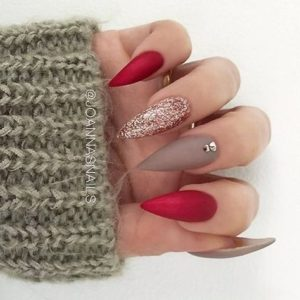 Red and Beige gold nails