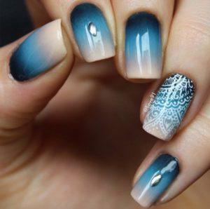 mandala blue nails
