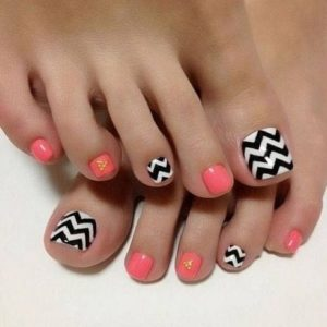 chevron and orange toenails