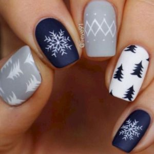 winter blue nails