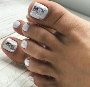 White toenails with silver foils