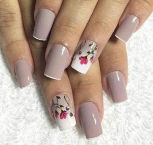 Taupe nails with poppies on accent nail