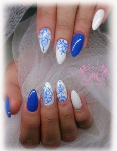 blue white nails