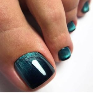 emerald ombre toe nails