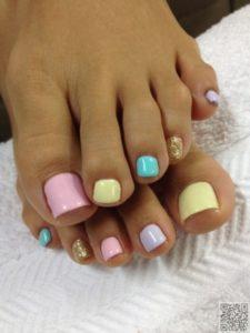 Pastel toenails