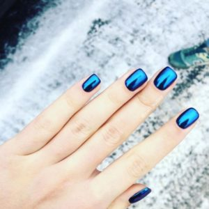 monochrome blue nails
