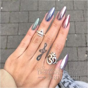 Colorful almond-shaped metallic nails