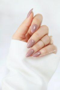 mauve beige almond nails