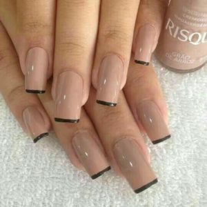 nude with black tips
