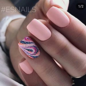 short pink nails and glitter