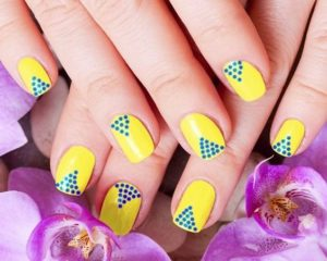 yellow triangle dots