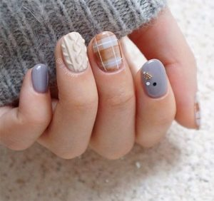 cozy sweater nail art