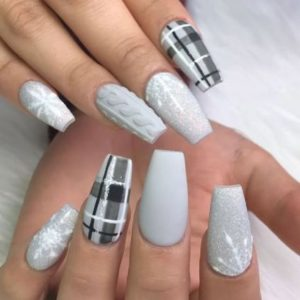 grey winter nails plaid