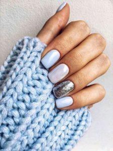 shiny winter pearl nails