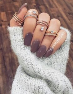 taupe winter nails