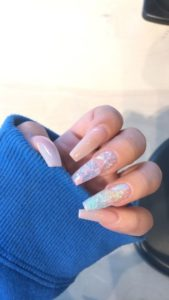 holographic nail effect