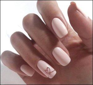 heart nail art on accent nail