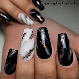 marble effect nail art