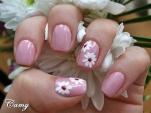 flower nail art on accent nails