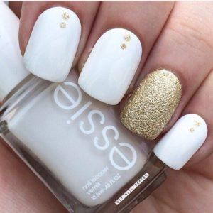 Gold spots at the bottom of nail