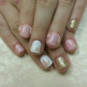 heart nail design on accent nail