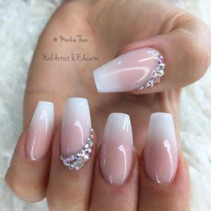 Rhinestones gems on edge of nails