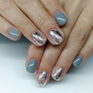 Silver nail foil on accent nail