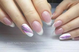 Feather nail art on accent nail