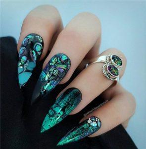 green nail foil pattern