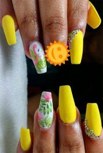 Flamingo nail art on accent nail.