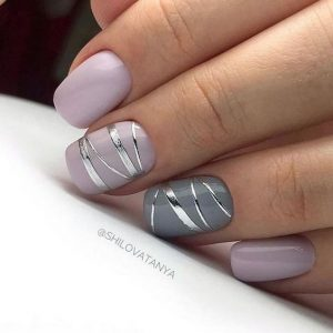 Silvern strip foil on accent nails