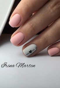 grey accent nail with love heart