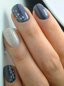 thin lined minimalist nail design