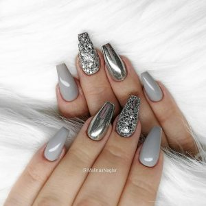 Mirror polish and grey glitter accent nails