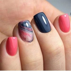 Marble effect looking like space on accent nail