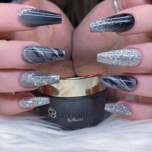 Smoky effect on nails