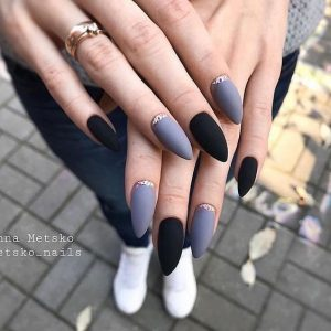 black and Grey Acrylic Nails