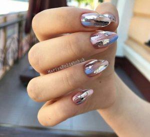 silver-foil-nails