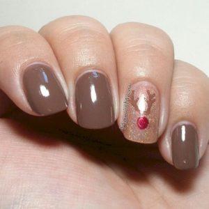 simple reindeer nails