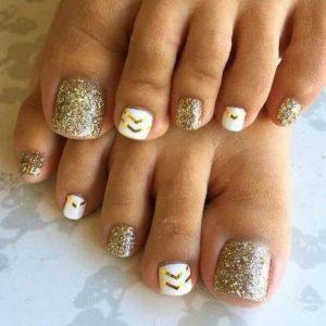 gold chevron toes