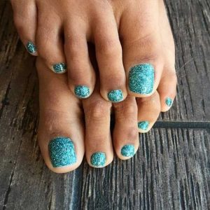 turquoise glitter solid toes