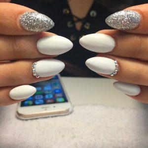 silver pointer finger